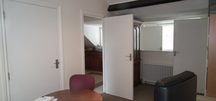 6 Bedroom Townhouse To Let In Birmingham B19, United Kingdom